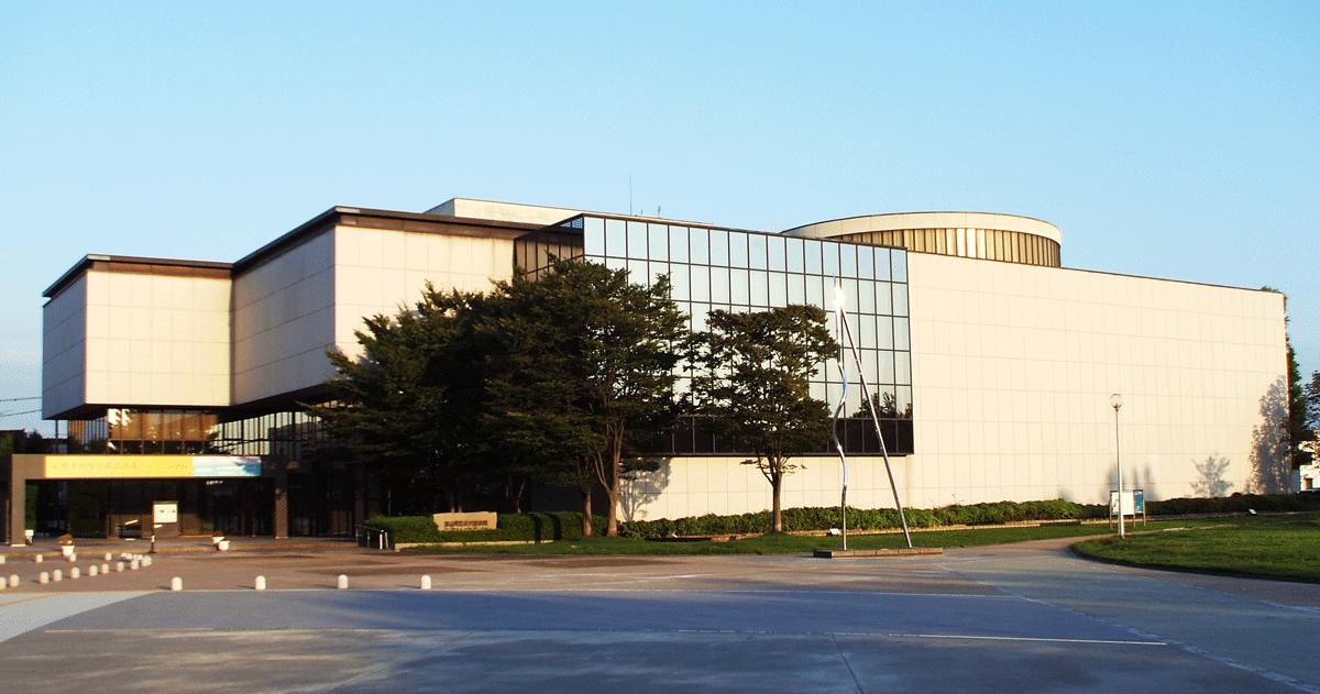 富山県立近代美術館