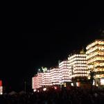 「人生の約束」ロケ地、舞台となった新湊曳山祭の一斉点灯式