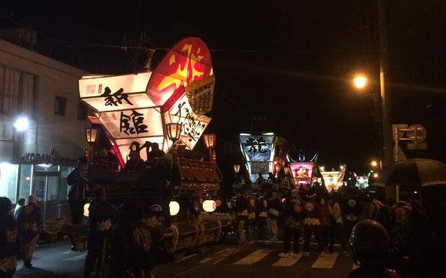 岩瀬曳山車祭り・けんか山車の夜の巡行
