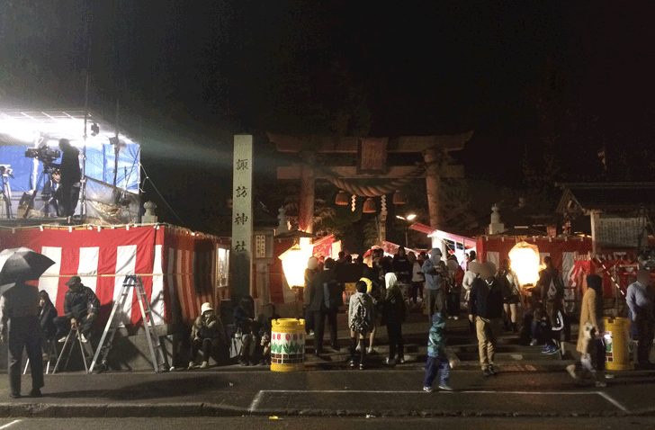 岩瀬曳山車祭り・けんか山車の諏訪神社前