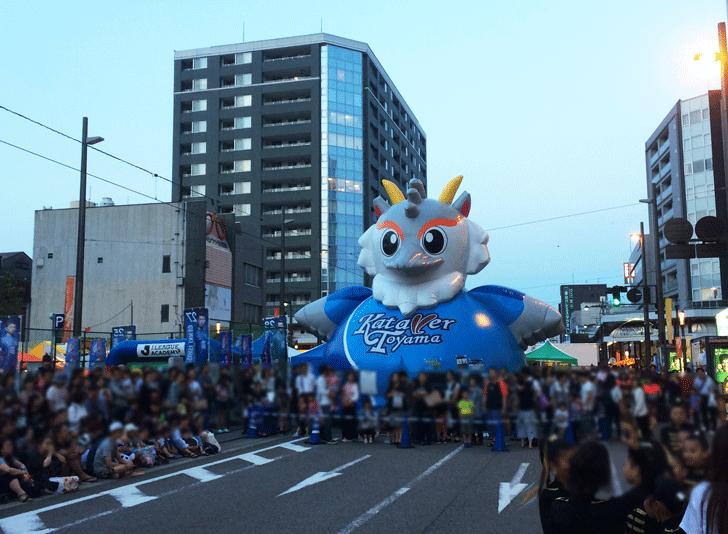 カターレ富山の巨大な人形