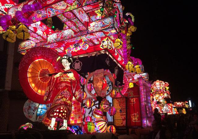 富山県砺波市の祭り「となみ夜高祭り2019」の繊細優美な大行燈
