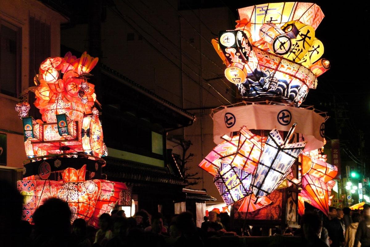 南砺市の福野夜高祭の引き合い