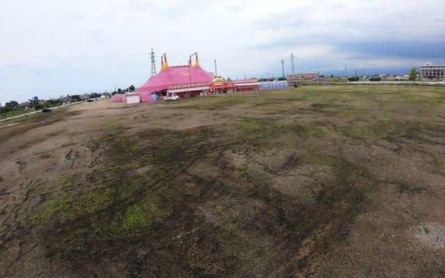 ポップサーカス富山公演の駐車場