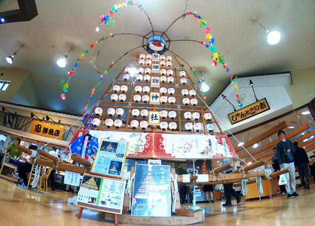 富山県魚津市の海の駅蜃気楼に飾ってあるたてもん祭りの曳山