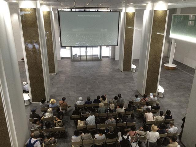 登坂絵莉選手と田知本遥選手の富山県民栄誉賞贈呈式のライブビューイング