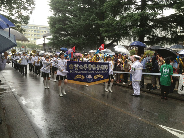 登坂絵莉選手と田知本遥選手、金メダル祝賀パレードin富山!2