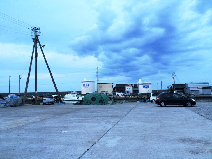 旧新湊漁港広場