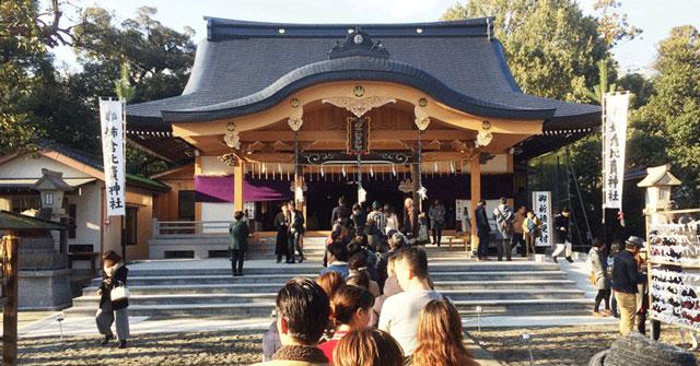 富山市呉羽にある姉倉比賣神社(あねくらひめじんじゃ)の初詣の様子