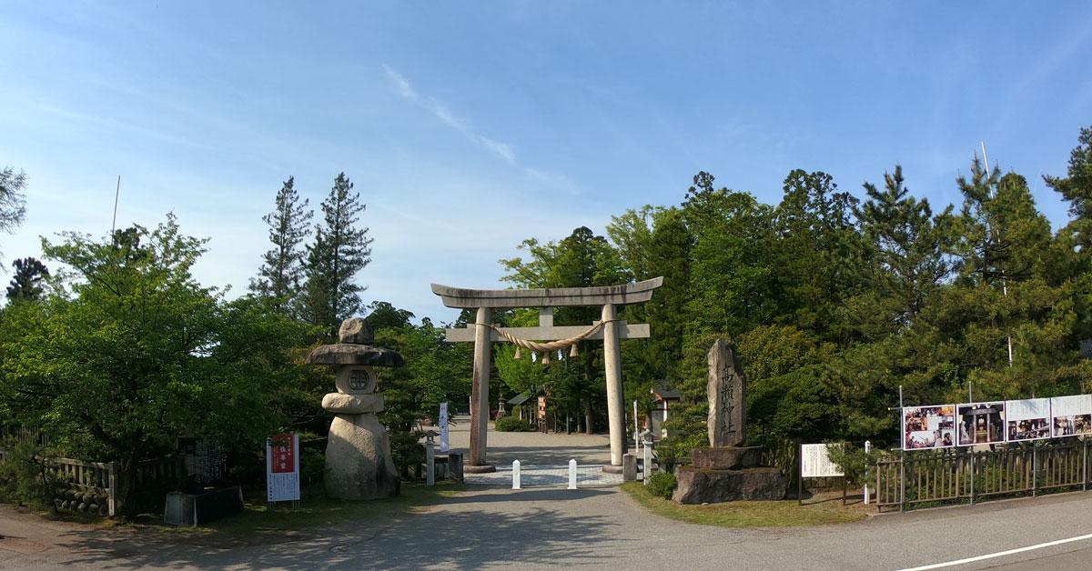 南砺市の越中一宮 高瀬神社