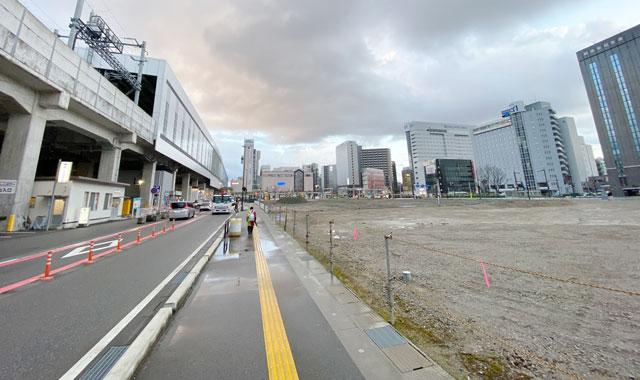 ヒルトンホテル建設のために更地になった富山駅前の元第1駐車場