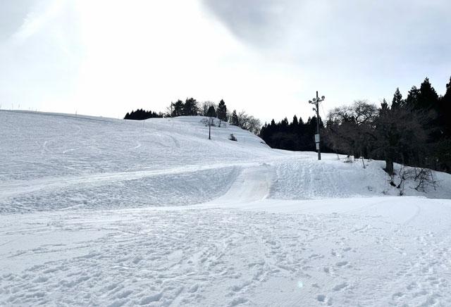 富山市の牛岳温泉スキー場のキッズゲレンデ