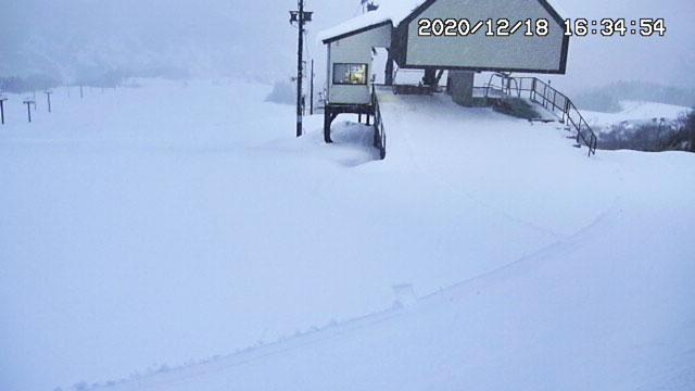 富山県富山市山田村の牛岳温泉スキー場のライブカメラ