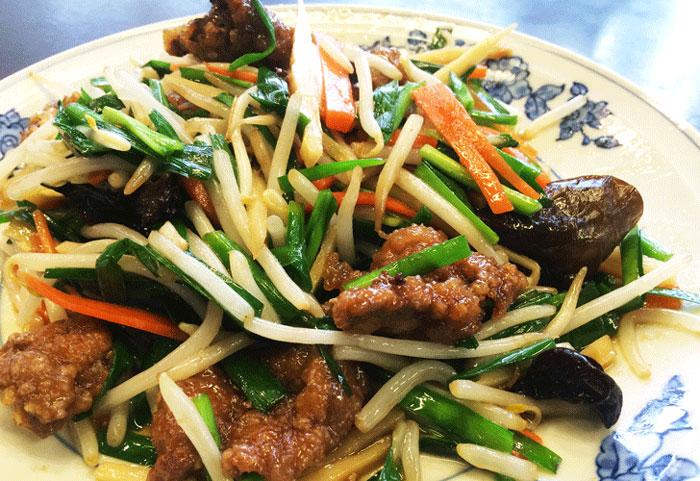 中華料理青龍のニラレバ