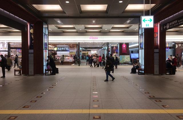 JR金沢駅改札を出た時のファーストビュー(景色)
