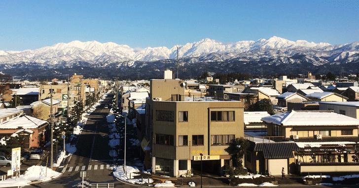 大山町から見た立山連峰