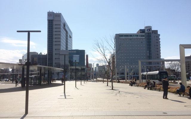 JR富山駅を出た瞬間の景色