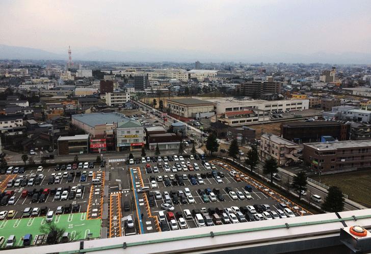 富山県立中央病院の屋上からの眺め