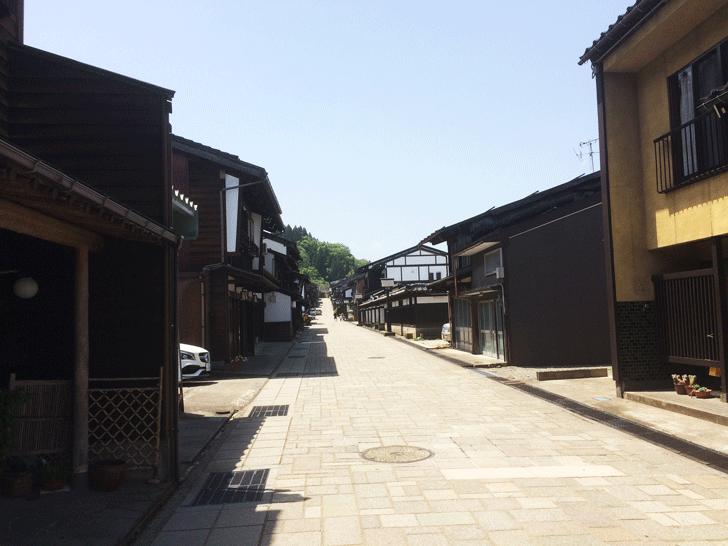 日本の道100選、八尾町道諏訪町本通り