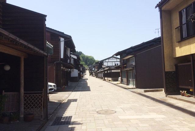 日本の道100選、越中八尾町道諏訪町本通り
