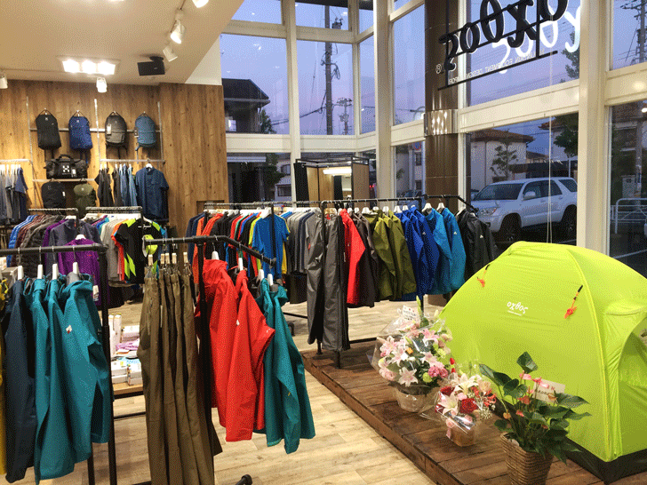 婦中町の登山・アウトドア用品のオクトス富山店の様子2