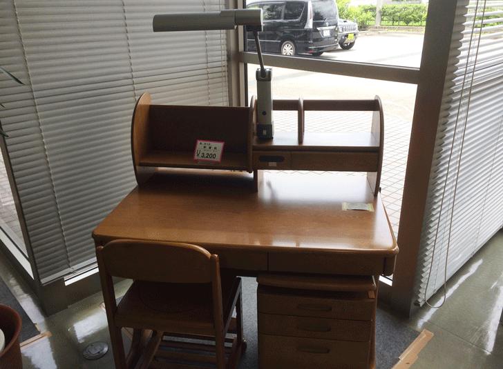 リサイクルプラザ富山の格安勉強机