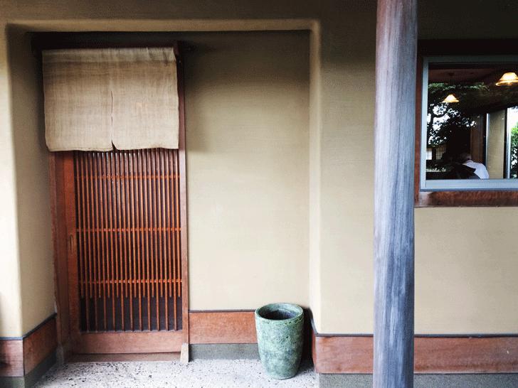 手打ち蕎麦富山達磨の入り口
