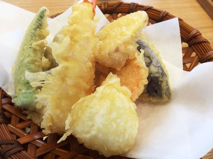 富山市古沢の「そば処 樹樹」の天ぷら
