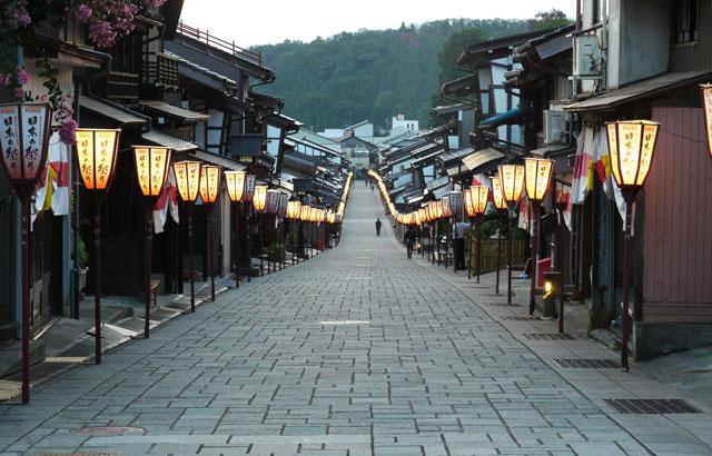 おわら風の盆の日本の道百選通り