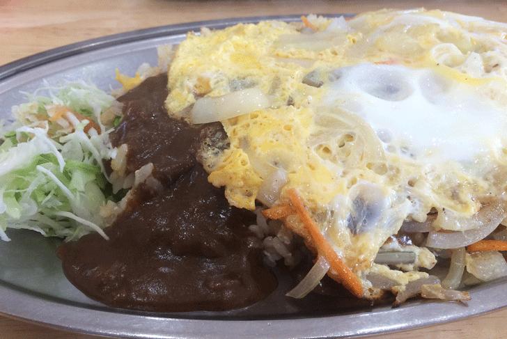 富山市五福の老舗カレー屋「かれえてい 本店」の野菜たまごバターライスのカレーがけ