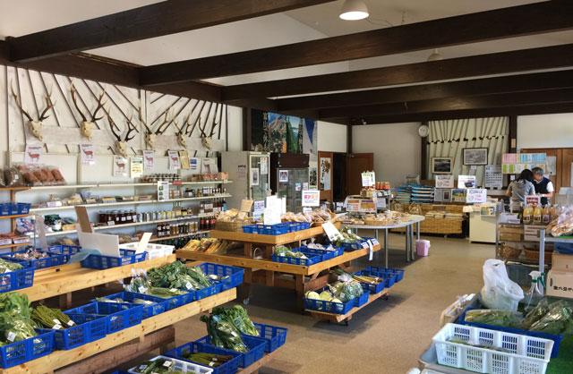 富山市山田農林産物処理加工直販施設、ふれあい青空市「やまだの案山子」の手打ちそば「おんもり庵」の食券売り場