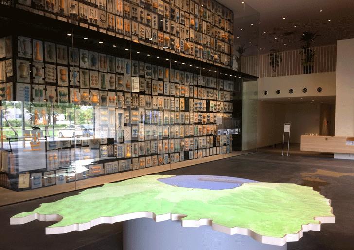富山の産業観光施設、高岡の能作新社屋の型の展示