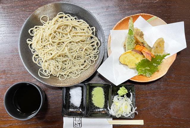 南砺市井波の蕎麦屋「茶ぼ〜ず」の天ぷら蕎麦