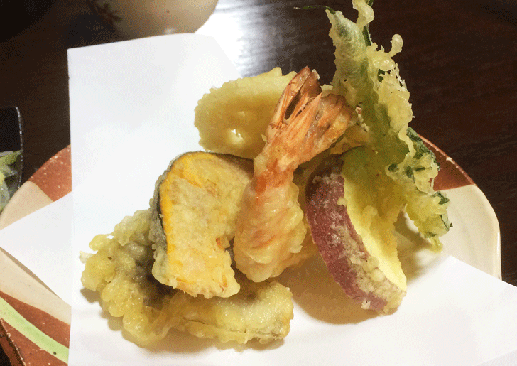 甘めの汁が絶品で美味い!南砺市井波の蕎麦処「茶ぼ〜ず」の天ぷら