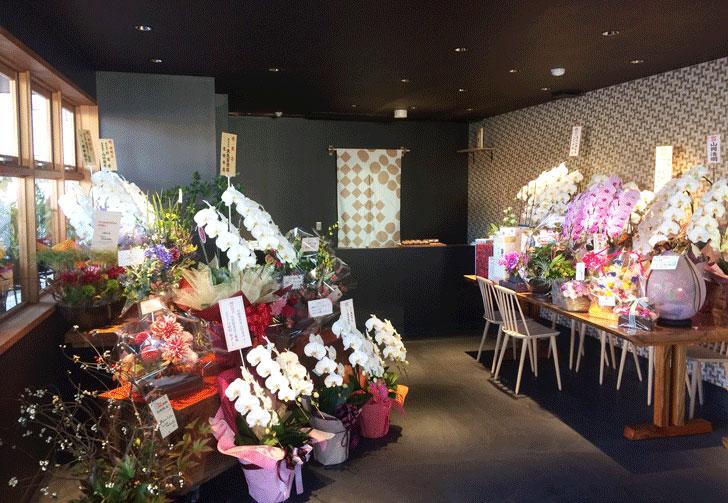 いちご大福で有名な富山の和菓子屋「引網香月堂古沢本店」の実演コーナー