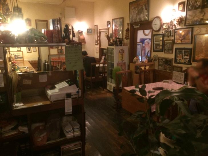秋吉の老舗洋食屋「近代食堂もりの屋(MORINOYA)」の雰囲気
