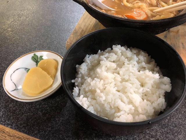 モツ煮込みうどんが有名な糸庄(いとしょう)富山市太郎丸店のご飯