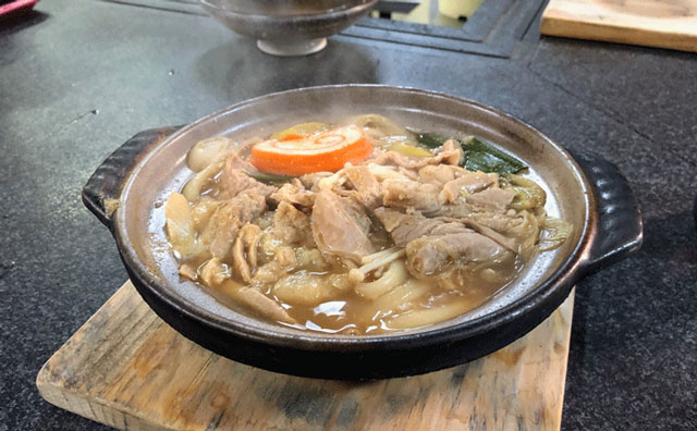 糸庄(いとしょう)富山市太郎丸店のモツ煮込みうどん