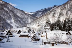 冬、雪の五箇山合掌造り