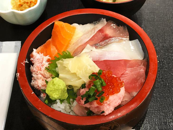 富山駅直近の定食屋!さかな屋富山湾食堂「撰鮮」の海鮮丼