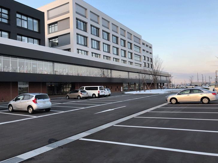 富山西総合病院の駐車場