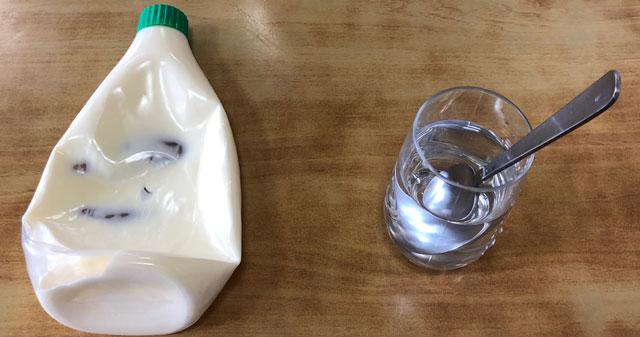 【島田食堂】旧大沢野の人気店の水とスプーン