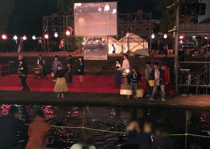 売比河鵜飼祭(めひかわうかいまつり)の木曽川鵜飼の女性鵜匠