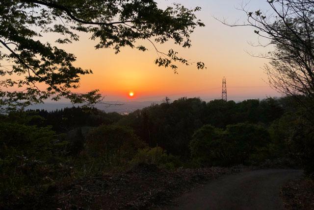 砺波市の散居村が一望できる鉢伏山の夕焼け