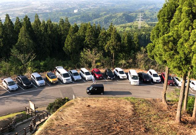砺波市の散居村が一望できる散居村展望台の駐車場