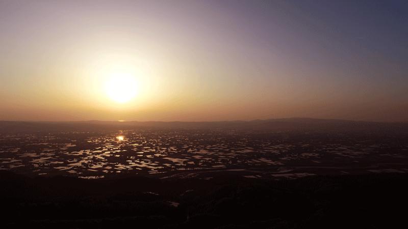 【絶景】砺波平野の散居村の夕焼け2