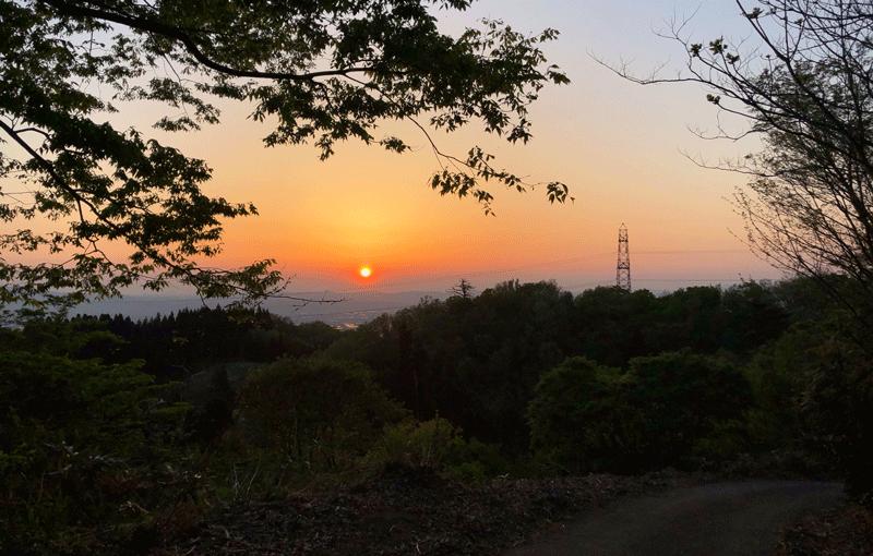 【絶景】砺波平野の散居村の夕焼け3