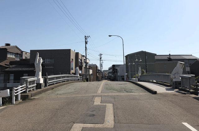 光スポット「日本のベニス新湊内川」にかかる山王橋