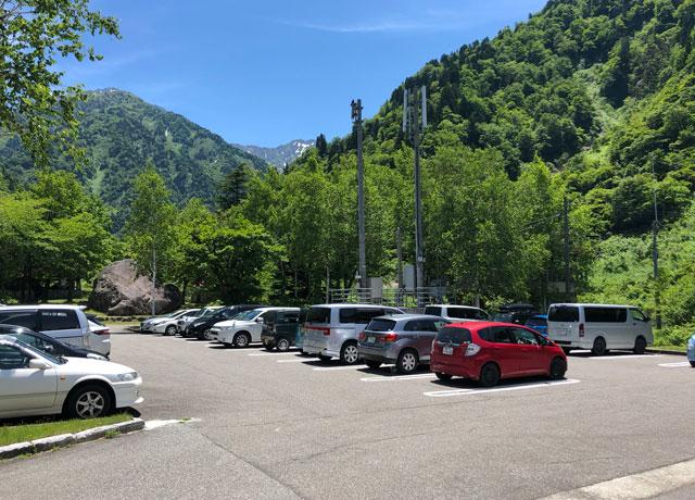 上市町番場島の駐車場