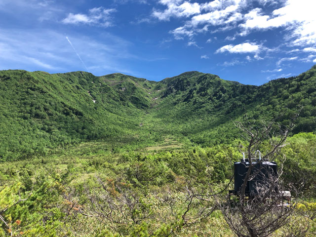大日平山荘から見る奥大日岳